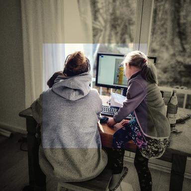 Zwischen Maus und Mathe: Homeoffice mit Nebenjobs